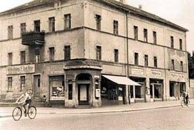 Das Möbelgeschäft und Wohnhaus 1945