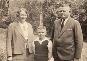 Aus der Ehe ging der gemeinsame Sohn Horst hervor